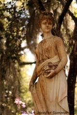 Statue-Lady_tall
